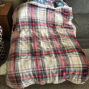 Softest, warmest blanket ever!!